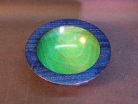 Esche blau-grün, außen mit Silberwachs behandelt. D=17,5cm, H=7cm