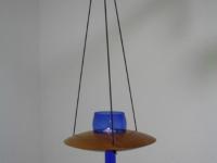 Hängeleuchter/Vase aus Mahagoni mit blauem Glaseinsatz b