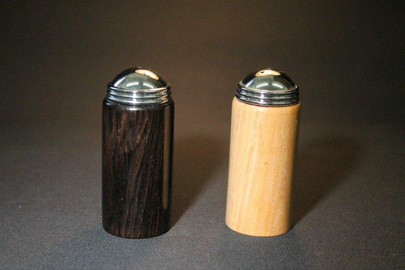 Pfeffer- und Salzstreuer