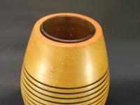 Vase aus Birne mit Glaseinsatz a